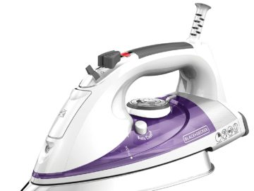 Black and Decker steam iron with Extra Large Soleplate